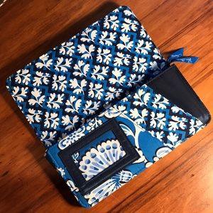 Vera Bradley Quilted Wallet in Blues 💙💙💙